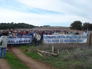 Vecinos y ecologistas por la defensa del agua ante la amenaza que significaba esa macrourbanización