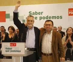"""Griñán con """"el gran timonel"""" del PSOE de Málaga, Miguel Ángel Heredia."""