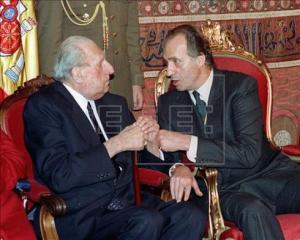 El Rey Juan Carlos con su padre, el conde de Barcelona
