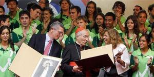 La simbiosos Ana Botella y Gallardón, pareciera que chistosamente siendo bendecida su deuda municipal, cifrada en más de 7000 millones por Rouco Varela