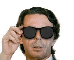 Aznar, que vivió desde la distancia la crisis del Prestige, se digna, 31 días después del siniestro a visitar la zona