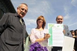 María Gámez y Paco Conejo. con el entonces estrella de la candidatura municipal, Carlos Hernández Pezzi. Eran otros tiempos.