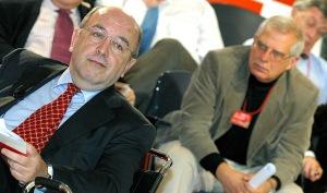 Joaquín Almunia y Josep Borrel. El fin de las primarias no acabó con la pugna