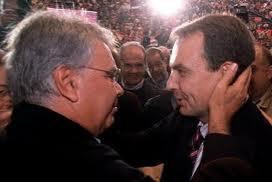 Zapatero y González, 22 de julio 2000, día de sorpresa para el PSOE por su triunfo no esperado