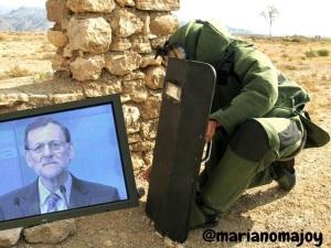 ¿Un Cedax desactivando una bomba de Bárcenas dirigido, como aviso, al plasma de Rajoy?