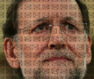 Hoya ya, los sobres de Bárcenas cubren el rostro que se lo pisa de Rajoy