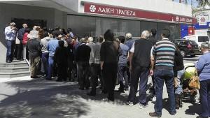 Chipre, con las políticas austericidas pasará de las colas en los bancos, a las colas en las oficinas de desempleo