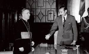 Bergoglio y el dictador Videla, presidente de la junta militar que gobernó Argentina entre 1976 y 1981
