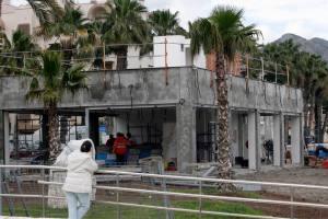 Barrera arquitectónica sobre la playa de Málaga