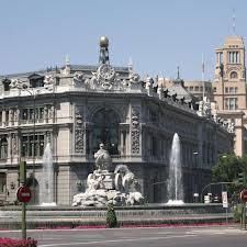 Banco de España, tan incapaz de prever las crisis del sistema financiero español como loa abusos de la banca a sus clientes. Además vaciado de contenido a favor del Banco Central Europeo (BCE)