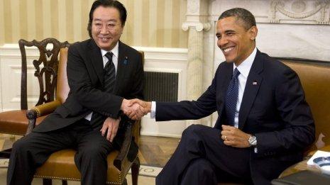 El presidente de Estados Unidos, Barack Obama, con el primer ministro de Japón, Yoshihiko Noda, hacen en economía todo lo contrario a la UE