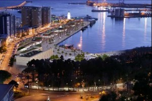 Esquina de oro del Puerto para ubicar en el cubilete que aquí aparece diseñado en sentido figurado un Carrefour.