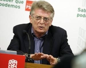 Francisco González Cabañas, como secretario general del PSOE-A en Cádiz, azote de Griñán y sus Ni-Ni, perdida esa secretaría se ha pasado al bando de Susana Díaz