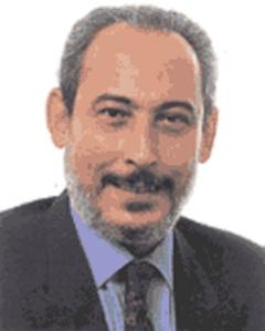 Francisco Moreno, fue Portavoz de los Senadores socialistas. Firmante.