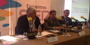 Cadena SER, Luis Planas anunciando la noticia en jornada sobre la PAC, sobre su presentación a las primarias andaluzas