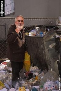 Arias Cañete, hípermillonario también suministrando petroleo sin impuestos a Gibraltar, reventando huelga con la empresa que va a privatizar y recomendando a los demás yogures caducados
