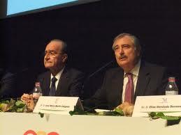 José María Martín Delgado en so de la palabra, candidato frustrado por el PSOE a la alcaldía de Málaga, junto al actual alcalde del PP, Francisco de la Torre