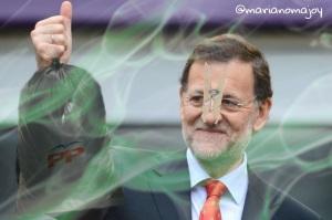 Rajoy, con el insoportable hedor que emana y para su tortura le acompaña inseparablemente.