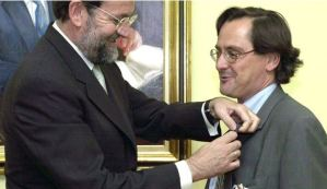 Marhuenda, condecorado por su jefe Rajoy, hoy director de La Razón