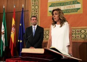 Susana Díaz utilizando la fórmula jurada para Presidenta de la Junta