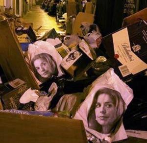 La cara de Ana Botella en las bolsas de basuras