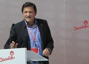 Javier Fernández, presidente del PSOE, con discurso serio y profundo en la Conferencia