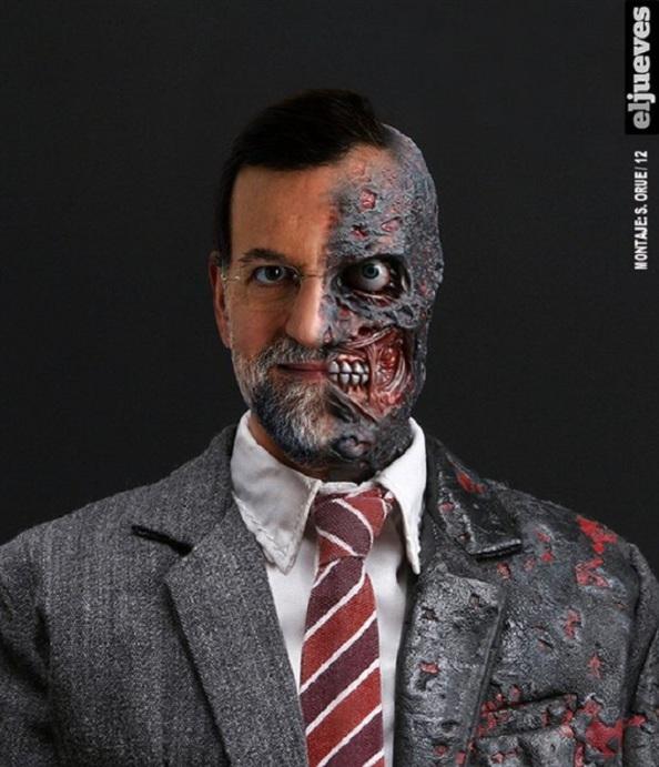 La cara achicharrada que ofrece Rajoy ante el bienio negro que nos lleva gobernando. Y si nadie lo remedia, le queda la otra mitad, dos años más.