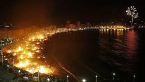 Málaga, a pie del Mediterráneo, en noche de San Juan