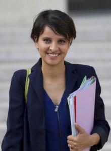 Ministra gala sobre la mujer que llama a consultas a Ana Mato sobre la nueva ley del aborto