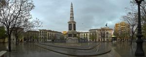 Plaza de la Merced de Málaga, simbiosis del liberal Torrijos del XIX y de la revolución pictórica del comprometido Picasso