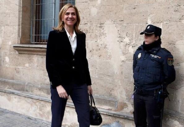 Ahora sonrisa mix Borbón Grecia