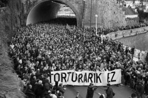 Contra la tortura en euskera.