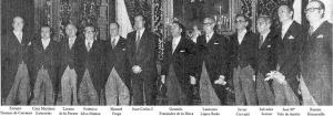 AP playaga de exministros de Franco con chaqué presentándose ante el Rey