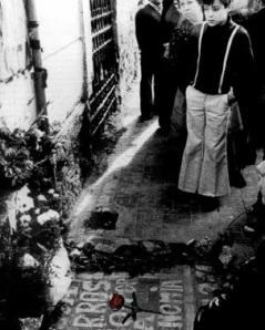 La esquina de la Avenida Comandante Benítez donde murió de bala policial, José Manuel García Caparrós.