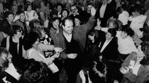 Manuel Chaves, celebrando su triunfo en las elecciones andaluzas de1996.
