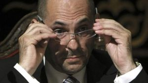 El juez en excedencia, por ahora, Elpidio Silva, asomándose a la política