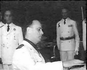Manuel Fraga, en 1962 jurando los principios del Movimiento Nacional que como golpe de Estado acabó con la IIºRepública, en la tomando posesión como ministro de Franco