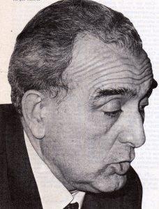 En la oposición democrática de decha destacaría Joaquín Ruiz Jimenez de la democracia cristiana ligada al Vaticano. Pronto se separó de Franco del que fue ministro de Educación. En 1977 con sorpresa de todos, no logró ningún diputado.