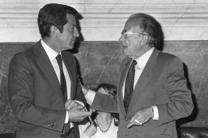 Fracaso de Carrillo en su propuesta a Suárez de un Gobierno de Concentración Nacional.