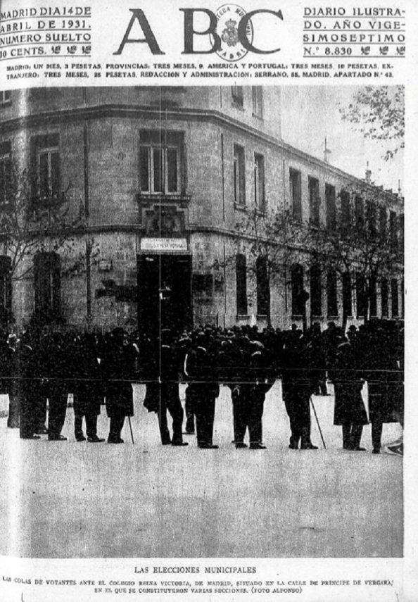 Portada del diario de Madrid, ABC, del 14.04.1931. Cola ante colegio electoral por las elecciones municipales del domimgo 12.04.1931