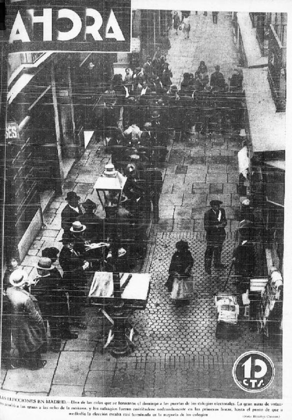 """Diario """"Ahora"""" de Madrid 14.04.1931. Colas para votar en las elecciones municipales del domingo 12.04.1931."""