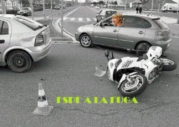 En plena fuga tras tirar la moto el policía