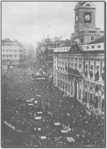 La Puerta del Sol de Madrid comenzaba a abarrotarse