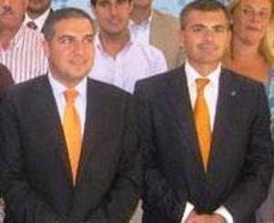 Elías Bendodo con el edil de Seguridad, Julio Andrade, presunto informador.