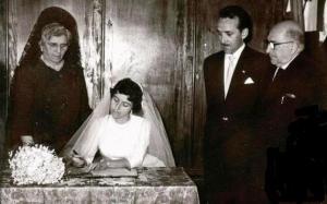Boda entre Juan Montero Núñez y Rosa María Ortega Terrones. Los padrinos, el doctor Montero y doña Pura.