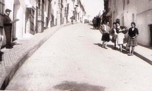 La custa de calle Sevilla que tanto le costaba subir al doctor Montero, con descansos agarrándose a las rejas.