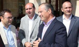 Heredia y Conejo departiendo con Marín Lara y Cañestro antes de que fueran detenidos