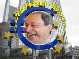El escudo del euro delante del edificio del BCE en Franfurt y el nombre de la banca
