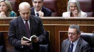 Gallardón con el aborto y Wert con la LOMCE, dos tratamientos distintos por Rajoy