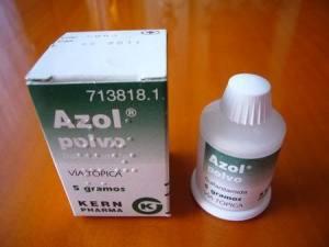 El tarro de polvos de Azol que motivó el equívoco.